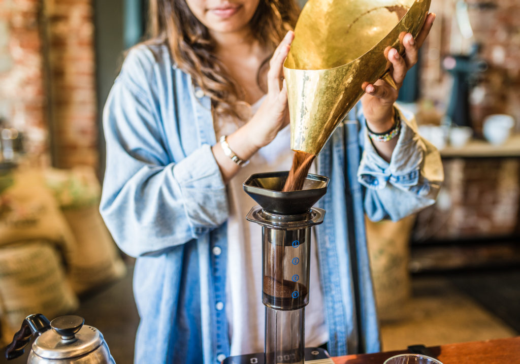 Aeropress adding coffee